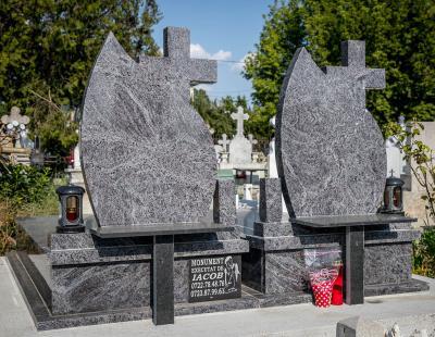 monumente funerare iacob 1