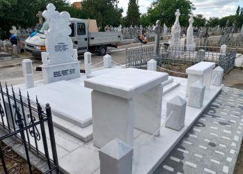 ii cornecea gelu constructii funerare 1