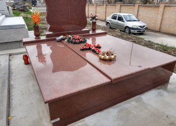 monumente funerare oradea 1