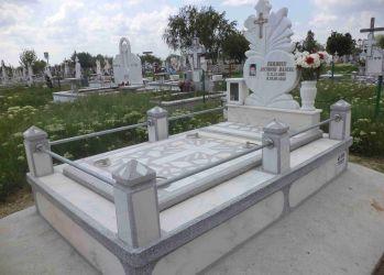 muntecon monumente funerare 1