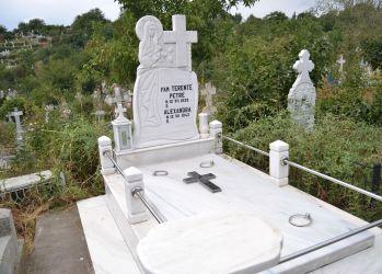 monumente funerare grigore mihaela 1